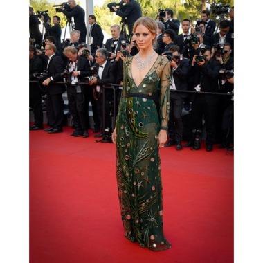 Cannes 2015 Poppy Delevigne Burburry
